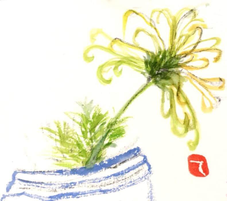 青い花瓶とスプレー菊