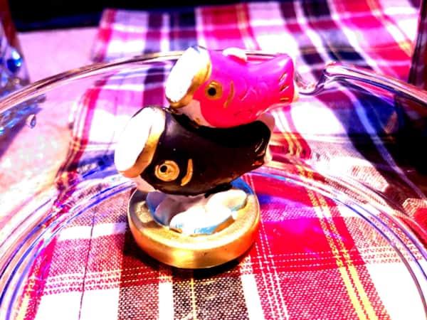 小さい鯉のぼりの置物